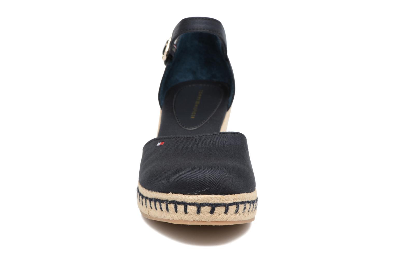 Espadrilles Tommy Hilfiger Elba 32D Bleu vue portées chaussures