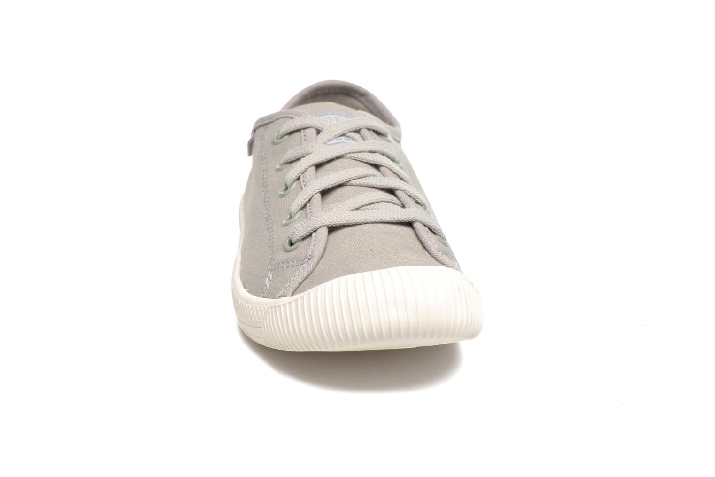Baskets Palladium Us Flex Lace F Gris vue portées chaussures