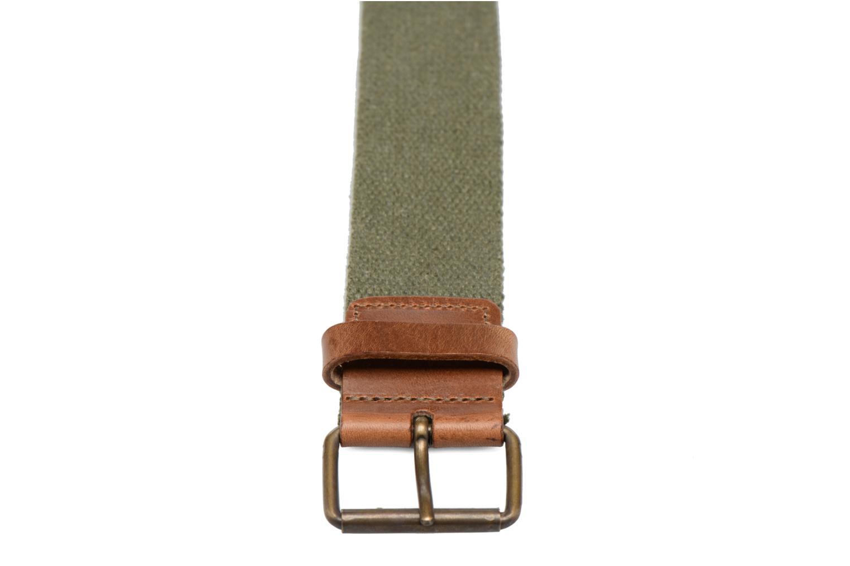 Cinturones Levi's Basic Webbing Belt Verde vista del modelo