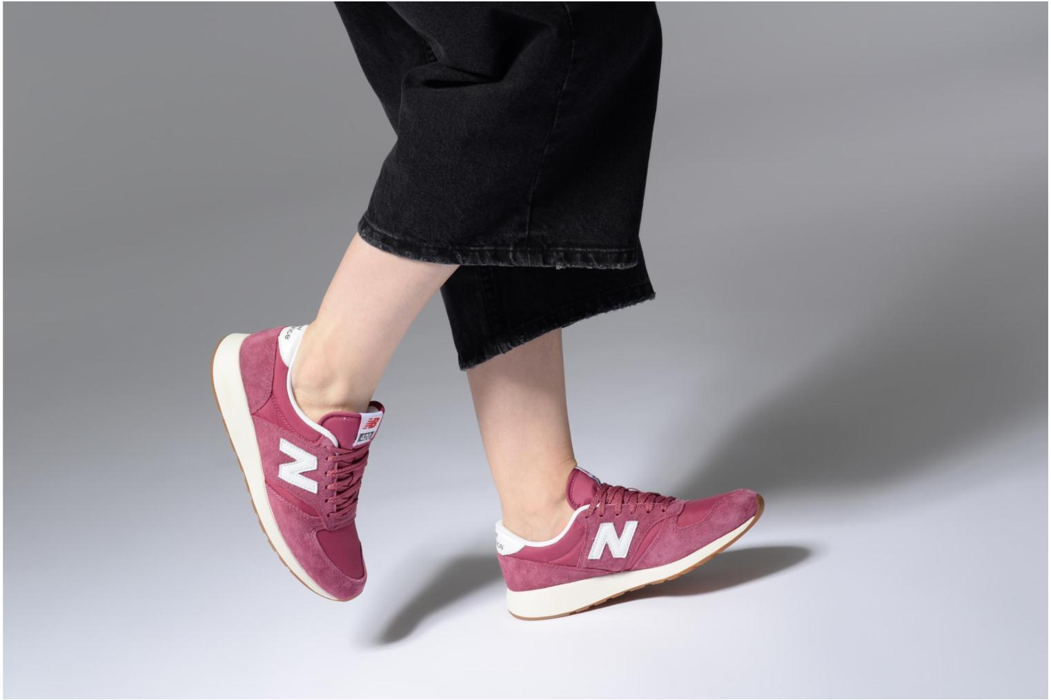 Trainers New Balance WRL420 Pink view from underneath / model view