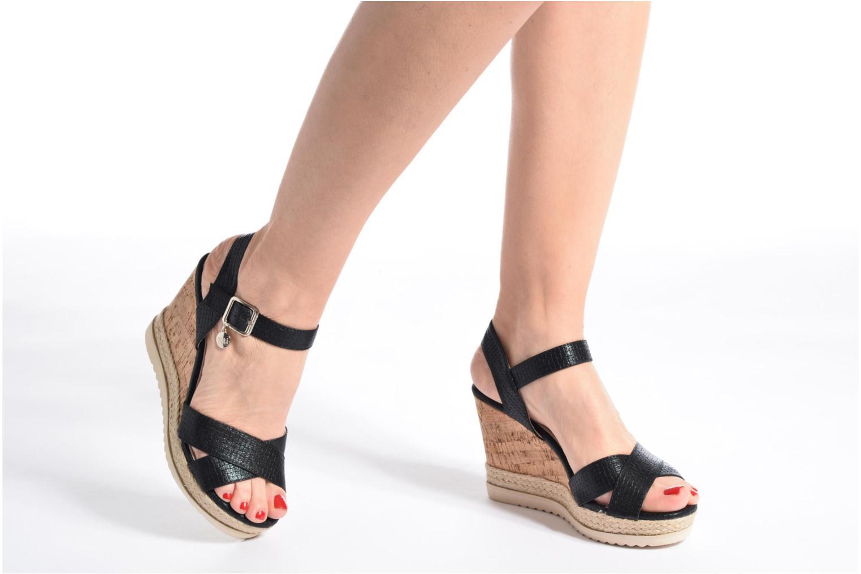 Sandales et nu-pieds Xti Niyl 46586 Noir vue bas / vue portée sac