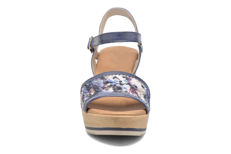 Sandales et nu-pieds Dorking Ubeda 7098 Bleu vue portées chaussures