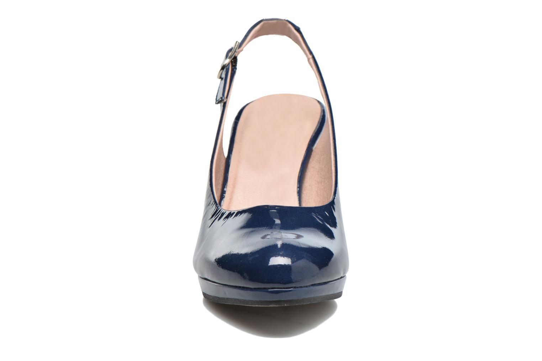 Sandales et nu-pieds Dorking Azahara 7119 Noir vue portées chaussures
