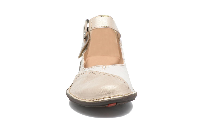 Ballerines Dorking Nicol 7027 Beige vue portées chaussures