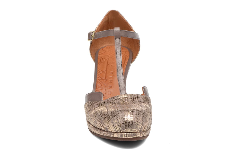 Sandals Chie Mihara Shogo Brown model view