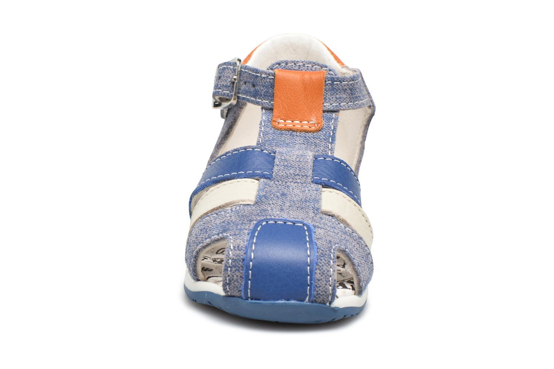 Sandali e scarpe aperte Bopy Zinedine Azzurro modello indossato