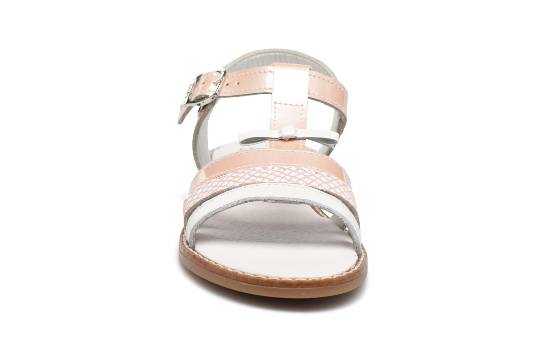 Sandales et nu-pieds Bopy Elvire Rose vue portées chaussures