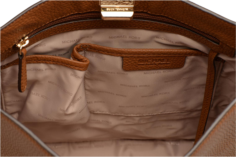 Bolsos de mano Michael Michael Kors SULLIVAN LG NS MESSENGER Marrón vista lateral izquierda