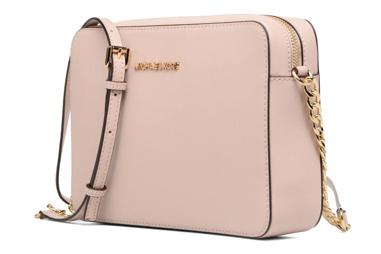 Bolsos de mano Michael Michael Kors LG EW Crossbody Rosa vista del modelo