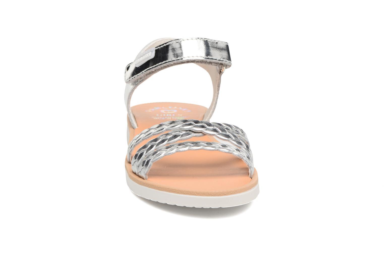 Sandales et nu-pieds Pablosky Eduina Argent vue portées chaussures