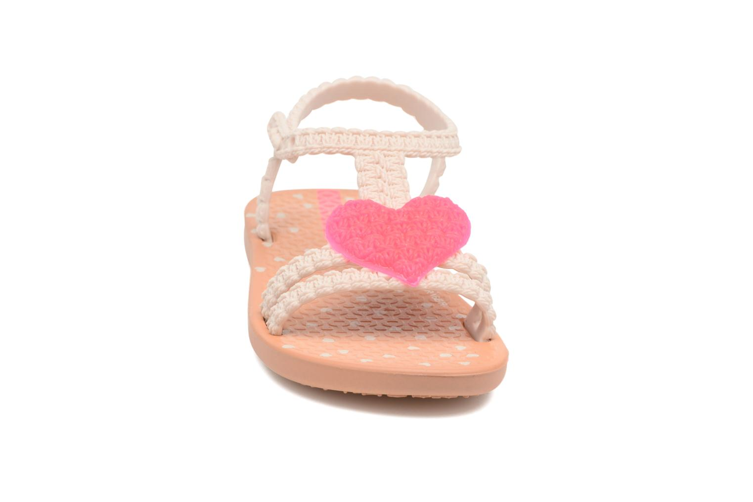 Sandales et nu-pieds Ipanema My First Ipanema BB Beige vue portées chaussures