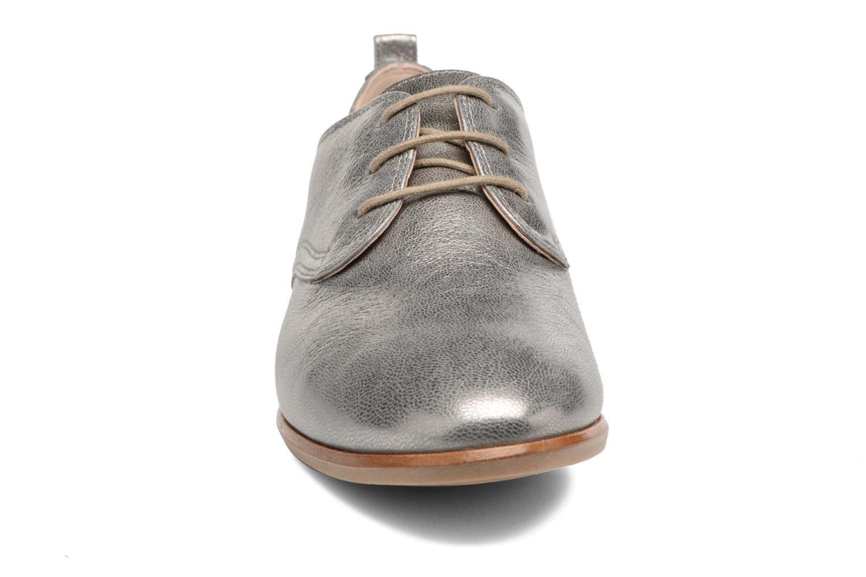 Chaussures à lacets Clarks Alania Posey Gris vue portées chaussures