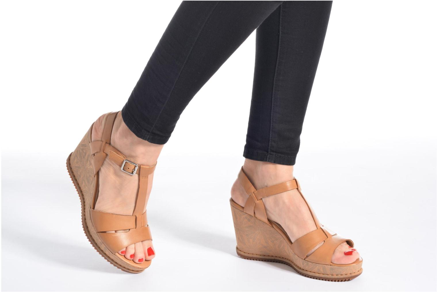 Adesha River Tan Leather