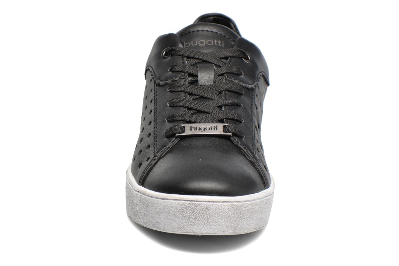 Baskets Bugatti Fergie J7605-PR6N Noir vue portées chaussures