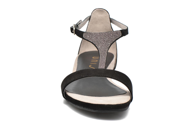 Sandales et nu-pieds Unisa Apice Noir vue portées chaussures