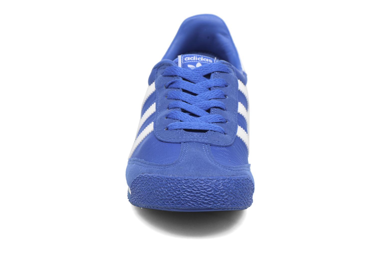 Baskets Adidas Originals Dragon Og J Bleu vue portées chaussures