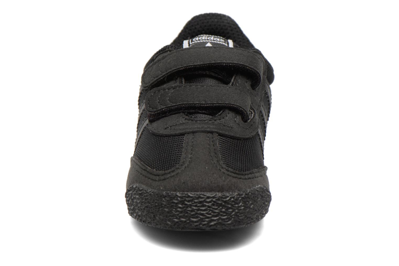 Sneakers Adidas Originals Dragon Og Cf I Nero modello indossato
