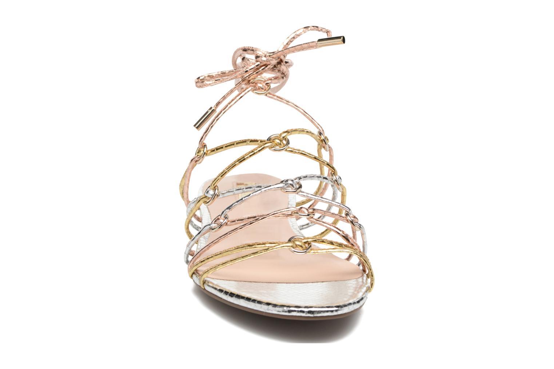 Sandales et nu-pieds Guess Racha Argent vue portées chaussures