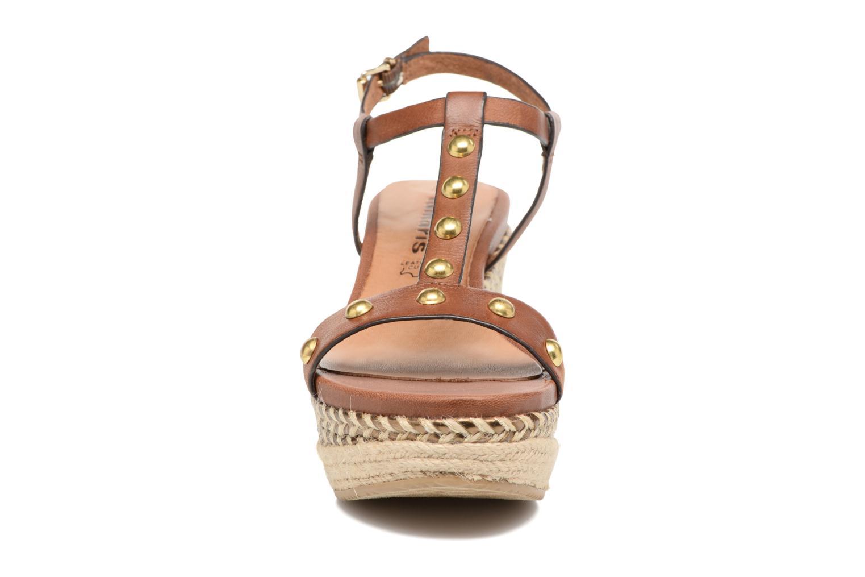 Sandali e scarpe aperte Tamaris Linnia Marrone modello indossato