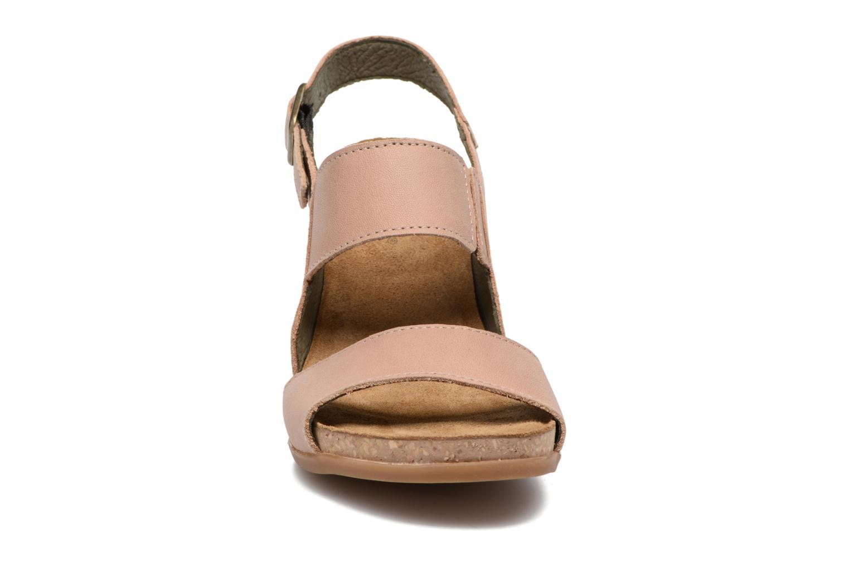 Sandales et nu-pieds El Naturalista Kuna N5020 Beige vue portées chaussures