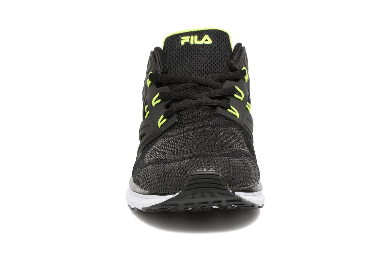 Baskets FILA Topic Low Noir vue portées chaussures