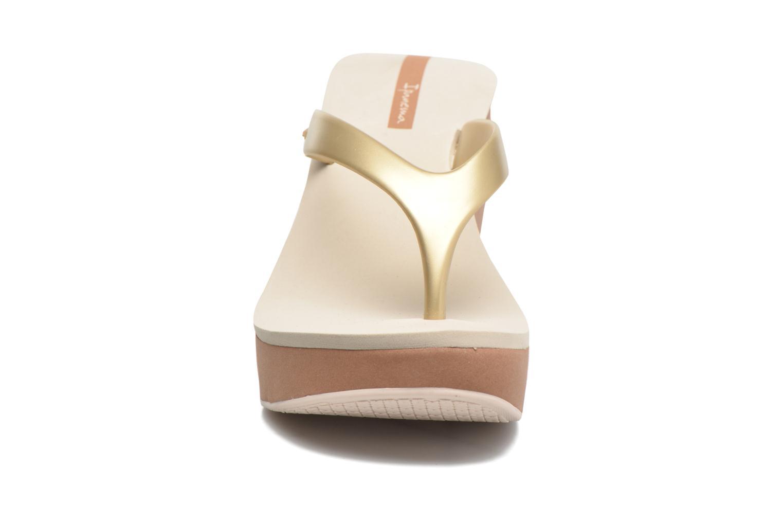 Tongs Ipanema Lipstick Thong V Beige vue portées chaussures