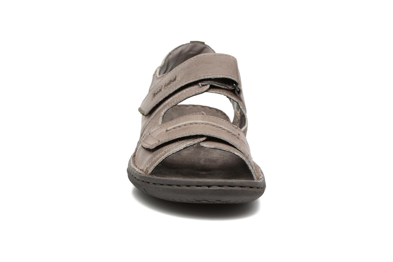 Sandales et nu-pieds Josef Seibel Paul 17 Marron vue portées chaussures