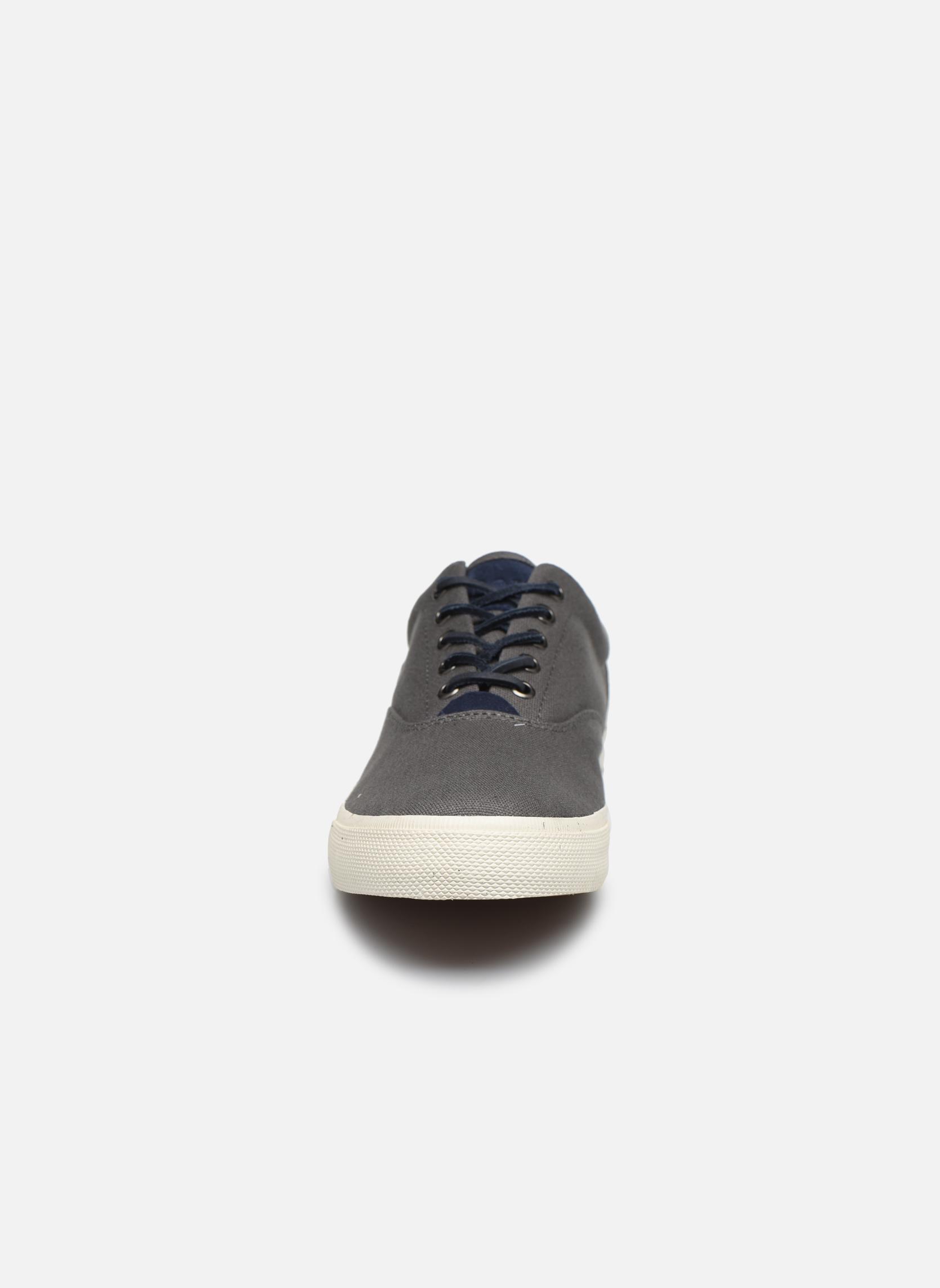 Baskets Polo Ralph Lauren Vaughn-Ne-Sneakers-Vulc Gris vue portées chaussures