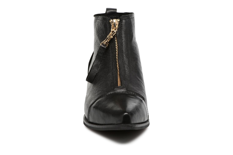 Anna Leather Black 110