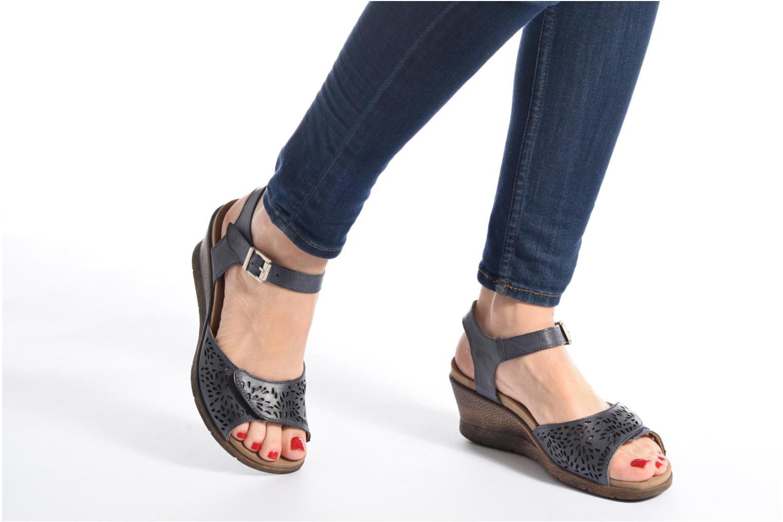 Nevis 05 Jeans