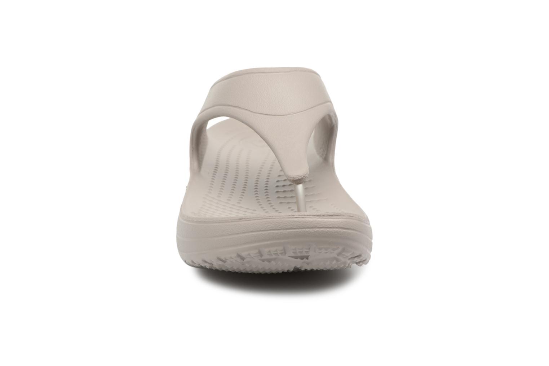 Tongs Crocs Crocs Sloane Platform Flip W Gris vue portées chaussures