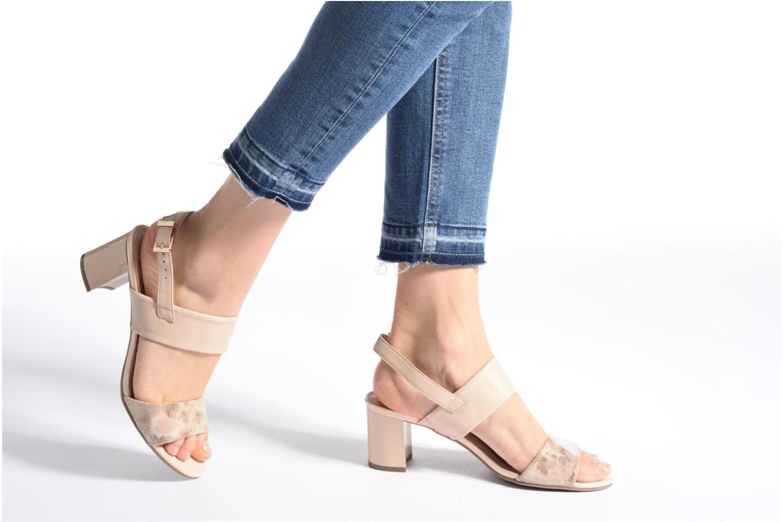 Sandales et nu-pieds Caprice Cecilia Beige vue bas / vue portée sac