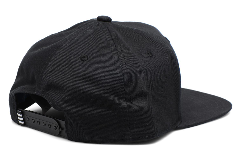 Divers Adidas Originals AC CAP TRE FLAT Casquette Noir vue portées chaussures