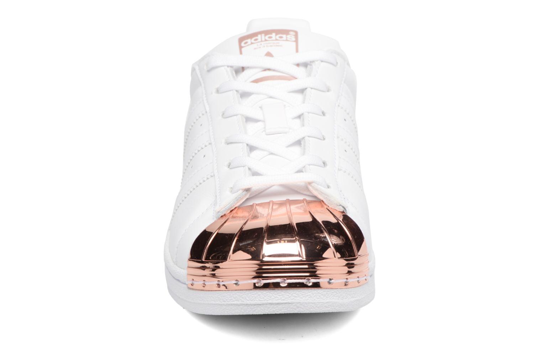 Sneaker Adidas Originals Superstar Metal Toe W weiß schuhe getragen