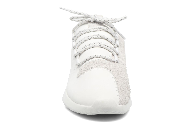 Baskets Adidas Originals Tubular Shadow Blanc vue portées chaussures