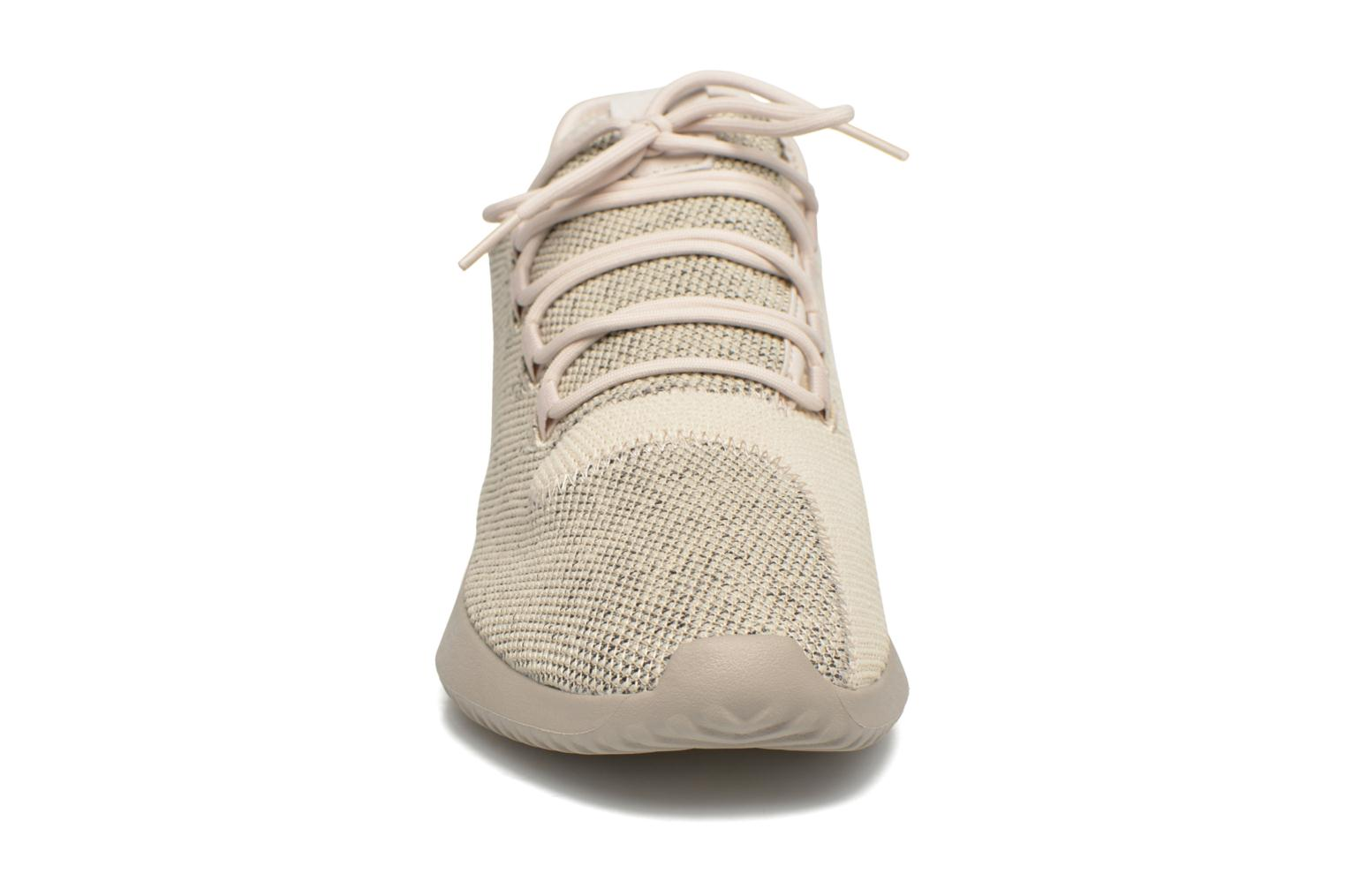 Baskets Adidas Originals Tubular Shadow Knit Beige vue portées chaussures