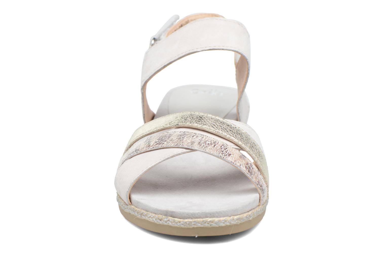 Sandales et nu-pieds Caprice Cynthia Blanc vue portées chaussures