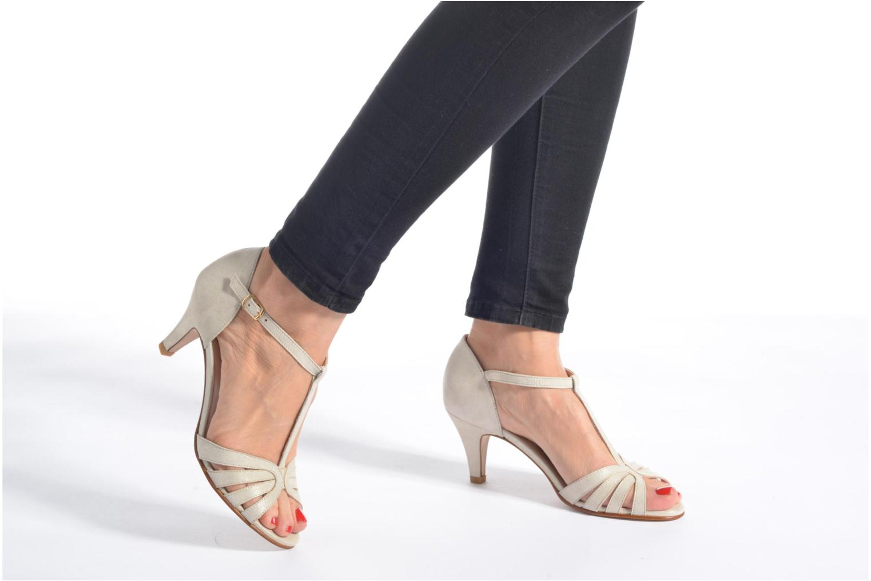Sandales et nu-pieds Georgia Rose Salapa Noir vue bas / vue portée sac