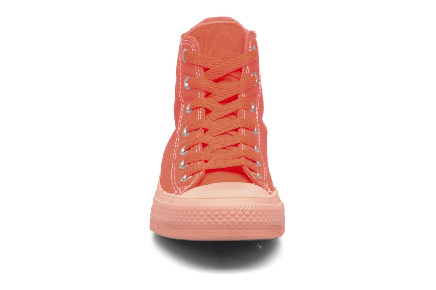Baskets Converse Chuck Taylor All Star II Hi Pastel Midsoles W Orange vue portées chaussures