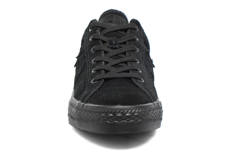Baskets Converse Star Player Ox Suede Noir vue portées chaussures