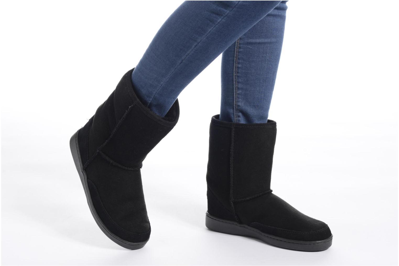 Bottines et boots Minnetonka Short Sheepskin Pug Boot W Gris vue bas / vue portée sac