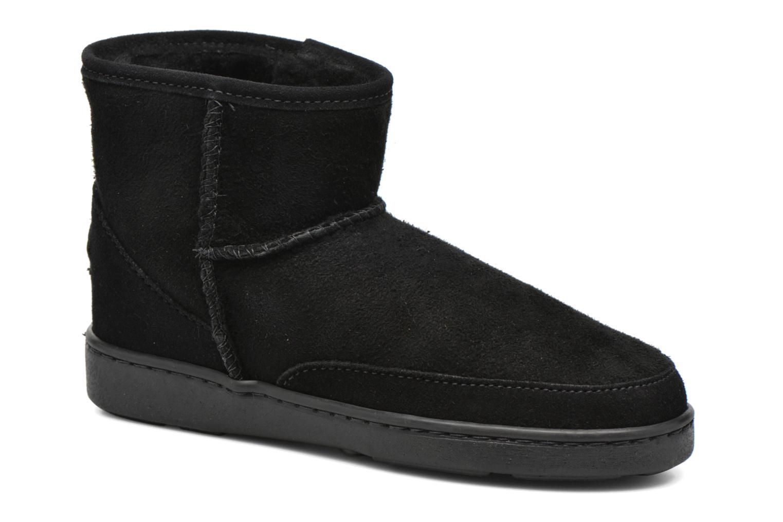Sheepskin Minnetonka Ankle hi Boot Pug