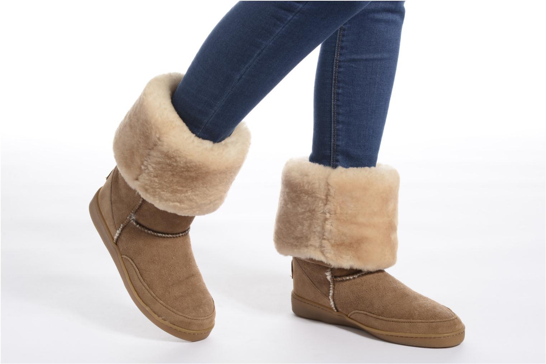 Bottines et boots Minnetonka Tall Sheepskin Pug Boot W Noir vue bas / vue portée sac