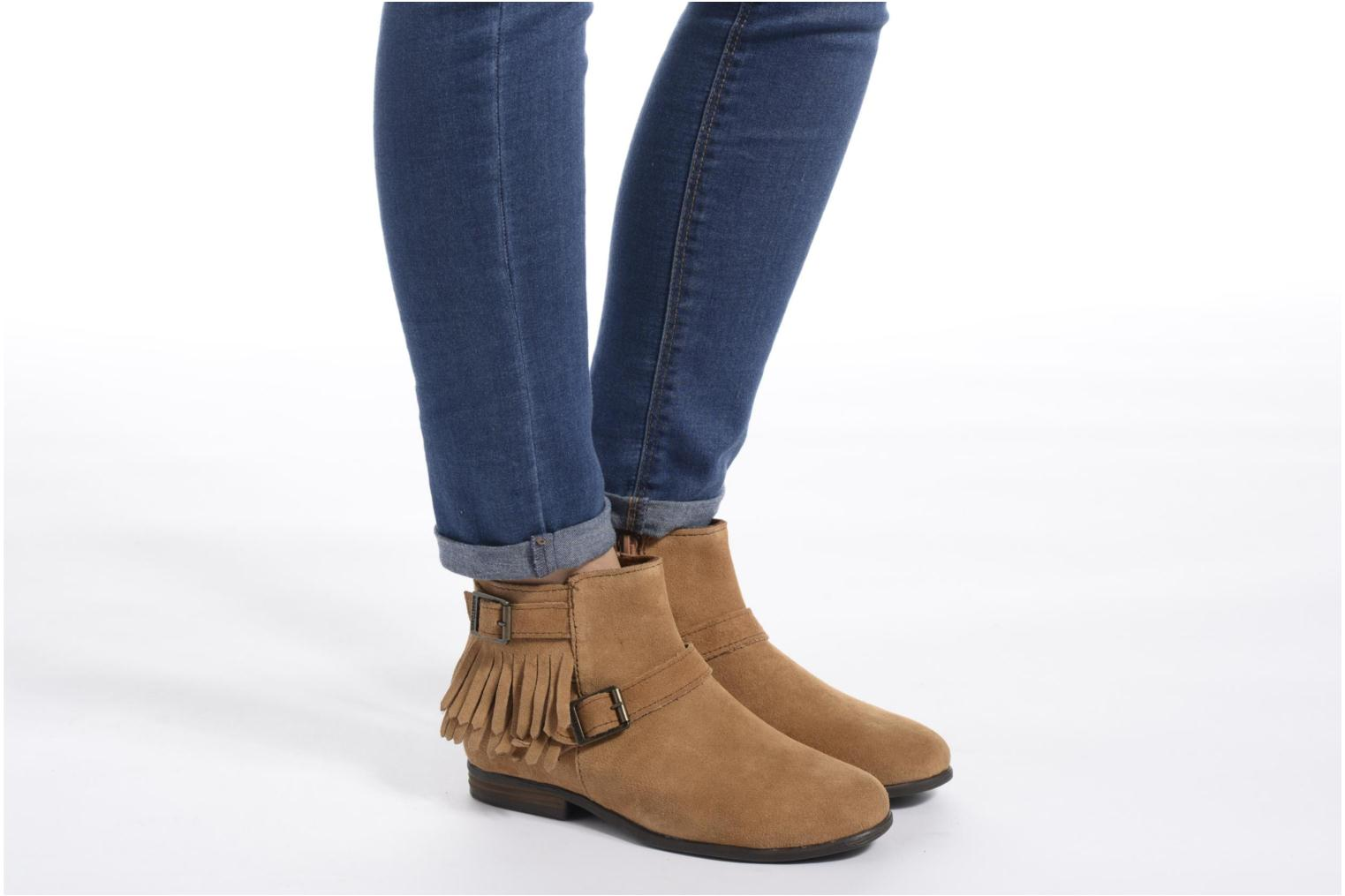 Ankle boots Minnetonka Rancho Boot Brown view from underneath / model view