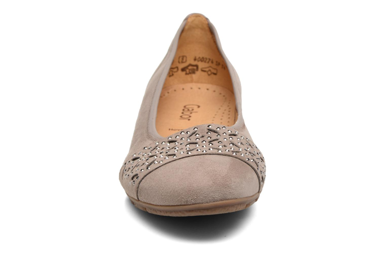 Ballerines Gabor Lidya Beige vue portées chaussures