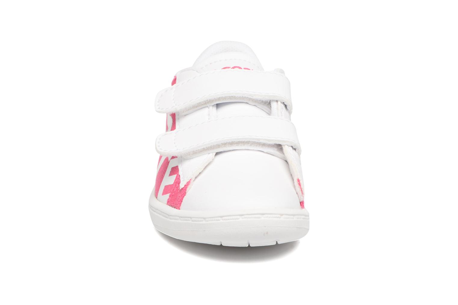 Baskets Lacoste Carnaby Evo 117 1 Kids Rose vue portées chaussures