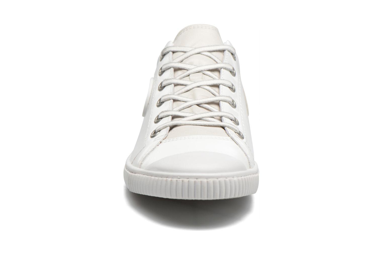 Baskets Pataugas Bilbao/V Blanc vue portées chaussures