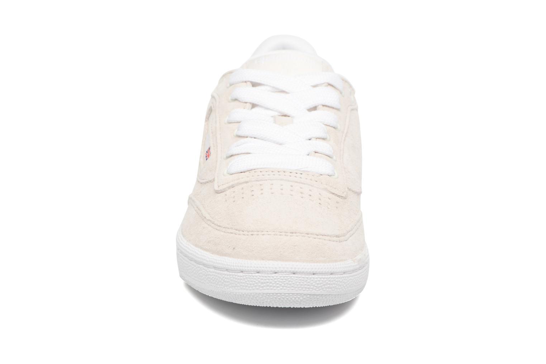 Baskets Reebok CLUB C 85 Hip Hop Beige vue portées chaussures