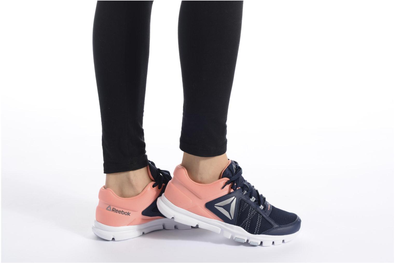 Chaussures de sport Reebok Yourflex Trainette 9.0 Mt Noir vue bas / vue portée sac