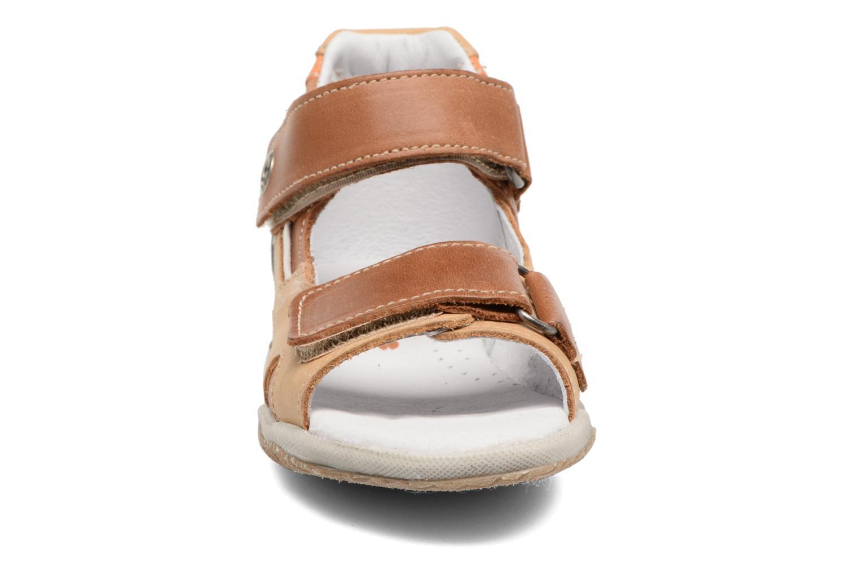 Sandales et nu-pieds Babybotte Tintin Marron vue portées chaussures
